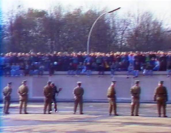 """Aktuelle Kamera"" vom 10.11.1989, Situation am Brandenburger Tor"