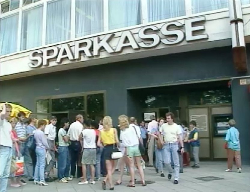 """controvers"" vom 01.07.1990, Sparkasse in Berlin"